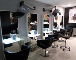 Agencement salons de coiffure 2
