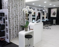 Agencement salons de coiffure 3