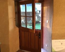 Porte fermière vu de l'intérieur (Après). Cosse-le-Vivien (53)
