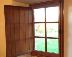 Fenêtre vu de l'intérieur (Après). Cosse-le-Vivien (53)