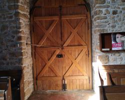 Porte d'Église en chêne finition lasuré (Après), Sud-Mayenne (53)